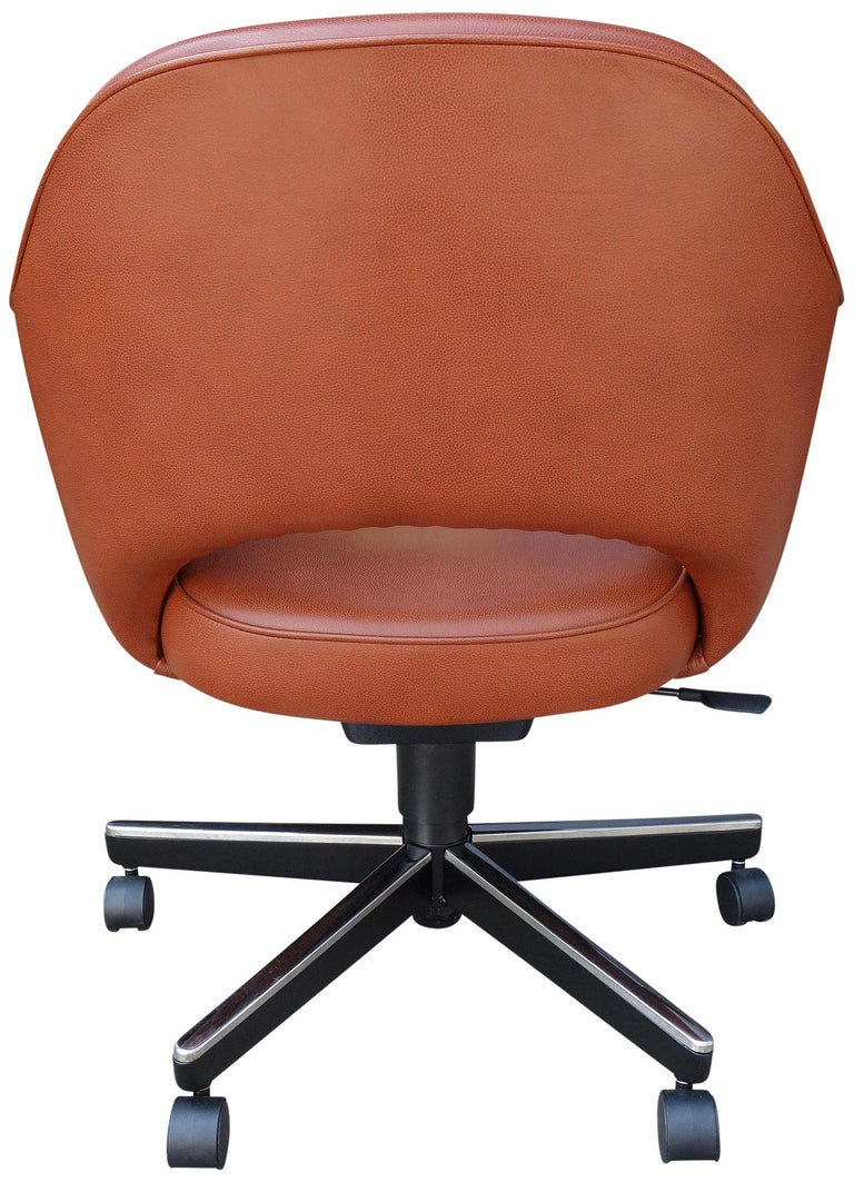 Metal Midcentury Saarinen Executive Chairs for Knoll For Sale