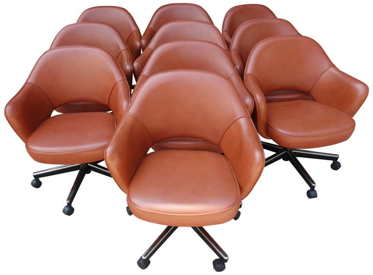 Midcentury Saarinen Executive Chairs for Knoll For Sale 2