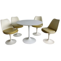 Midcentury Saarinen Table and Chair Set for Knoll