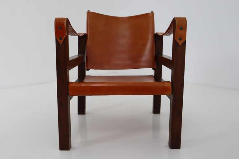 20th Century Midcentury Safari Chairs in Oak and Cognac Patinated Leather, France, 1960s For Sale