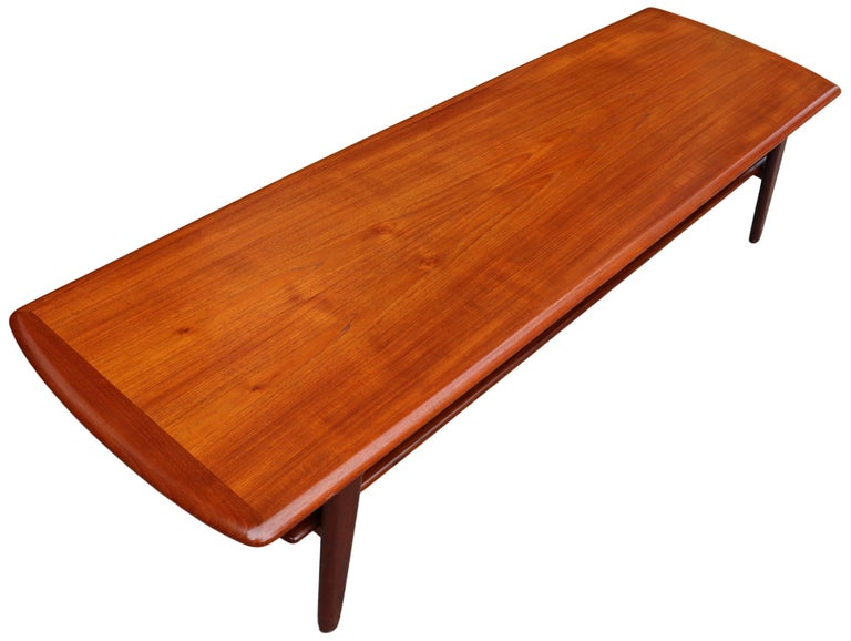 Midcentury Scandinavian Coffee Table by Svend Aage Madsen For Sale 4