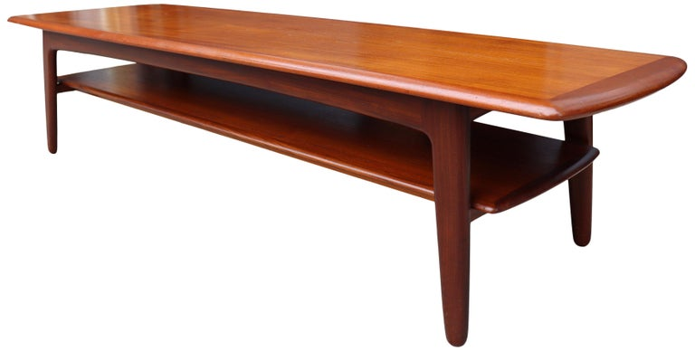 Midcentury Scandinavian Coffee Table by Svend Aage Madsen In Good Condition For Sale In BROOKLYN, NY