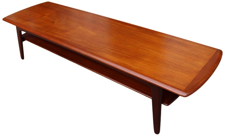 Midcentury Scandinavian Coffee Table by Svend Aage Madsen For Sale 1