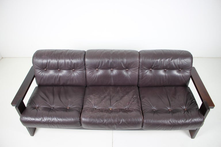 - 1960s, Scandinavia - Good original condition - Leather with patina. - Cleaned - Dark purple leather.