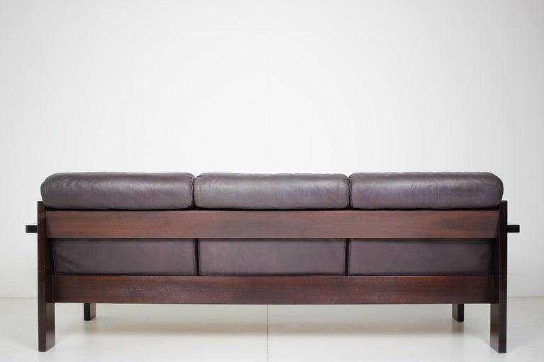 Scandinavian Modern Midcentury Scandinavian Leather Sofa, 1960s For Sale