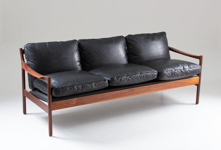 Norwegian Midcentury Scandinavian Sofa in Leather and Rosewood by Torbjørn Afdal For Sale