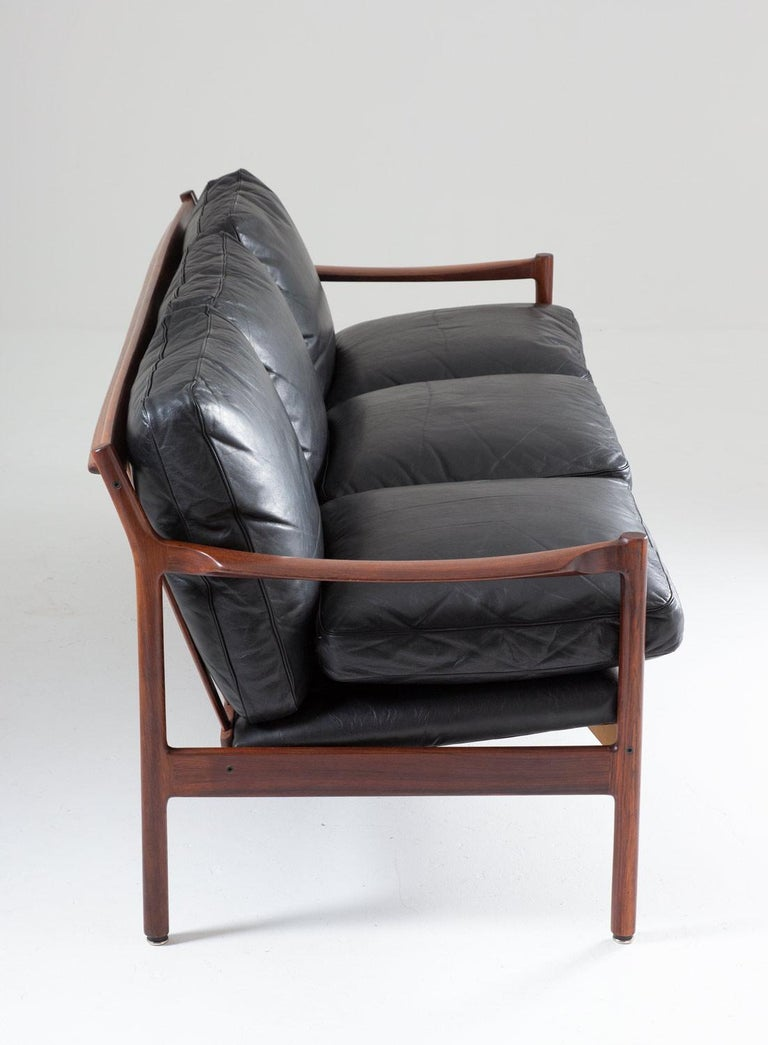 Midcentury Scandinavian Sofa in Leather and Rosewood by Torbjørn Afdal In Good Condition For Sale In Karlstad, SE