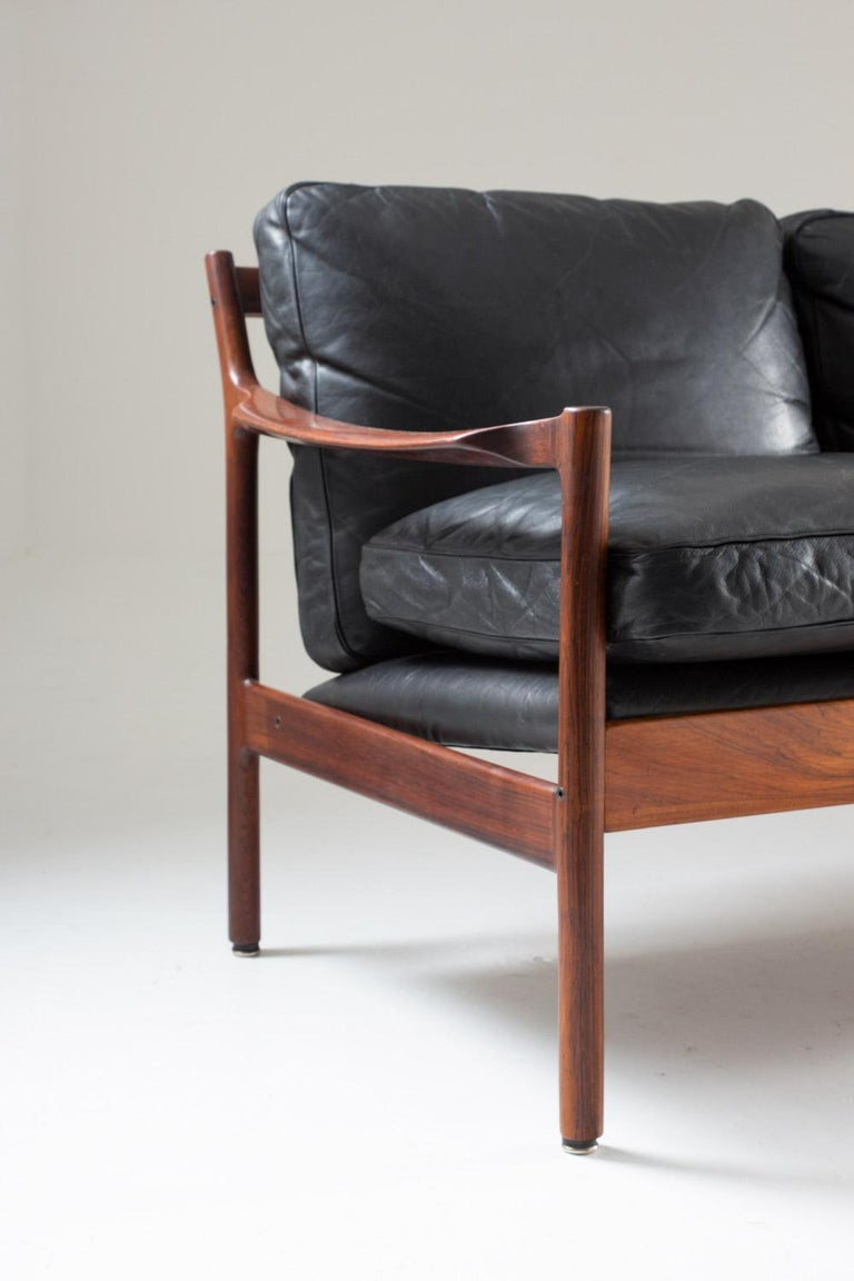 Midcentury Scandinavian Sofa in Leather and Rosewood by Torbjørn Afdal For Sale 2