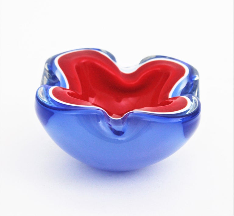 20th Century Seguso Murano Blue, Red and White Sommerso Glass Bowl or Ashtray For Sale