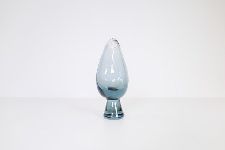 Midcentury Set of 2 Art Glass Vessels by Vicke Lindstrand for Kosta Sweden For Sale 4