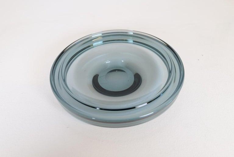 Midcentury Set of 2 Art Glass Vessels by Vicke Lindstrand for Kosta Sweden For Sale 1