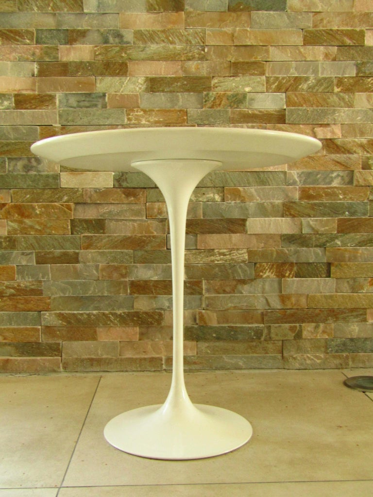 Midcentury Side Table Tulip by Saarinen for Knoll For Sale 5