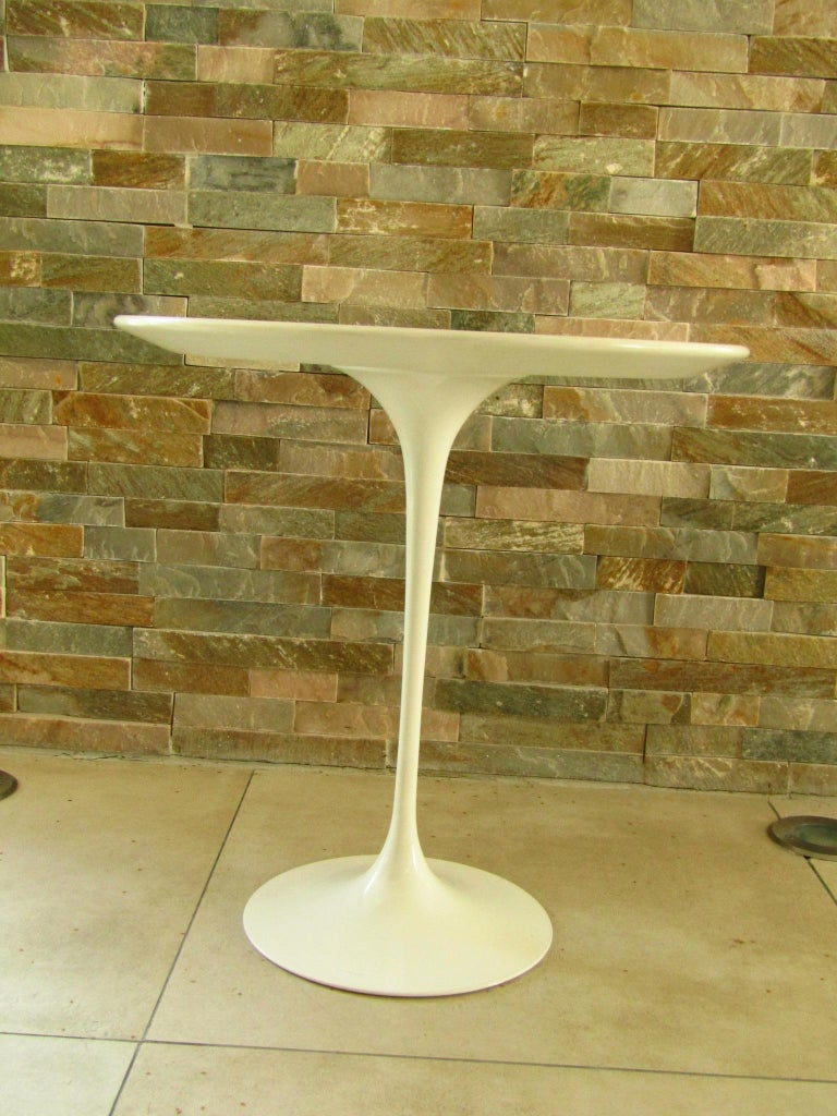 Midcentury Side Table Tulip by Saarinen for Knoll For Sale 6