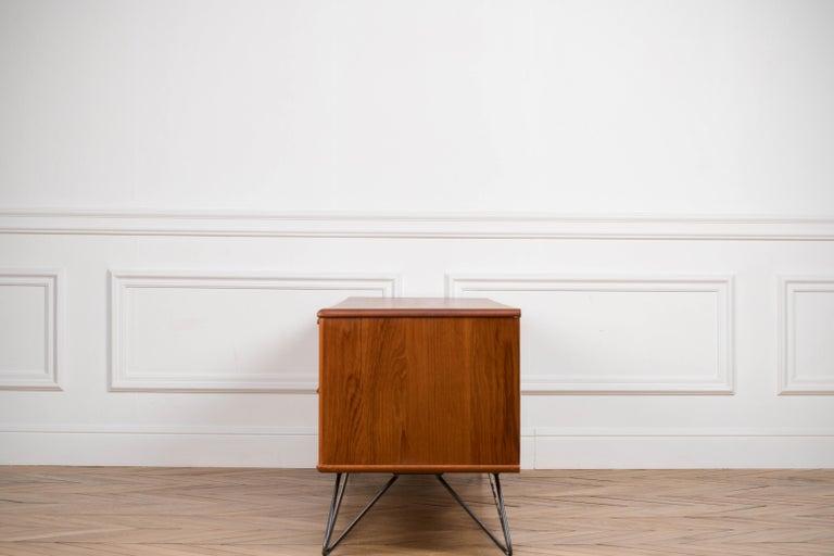 Minimalist & Organic Teak and steel sideboard - 1960 For Sale 7