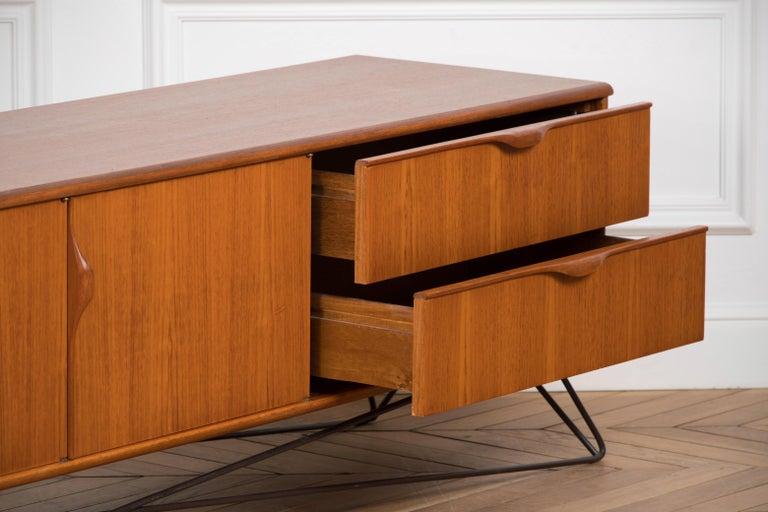 Minimalist & Organic Teak and steel sideboard - 1960 For Sale 10