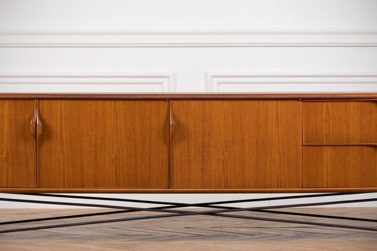 Minimalist & Organic Teak and steel sideboard - 1960 For Sale 2
