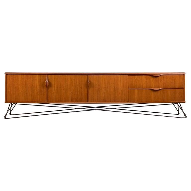 Minimalist & Organic Teak and steel sideboard - 1960 For Sale