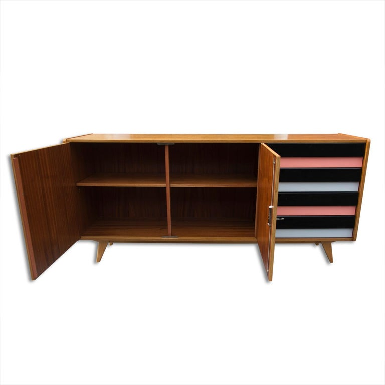 Midcentury Sideboard U-460 by Jiří Jiroutek for Interier Praha, 1960s In Good Condition For Sale In Prague 8, CZ