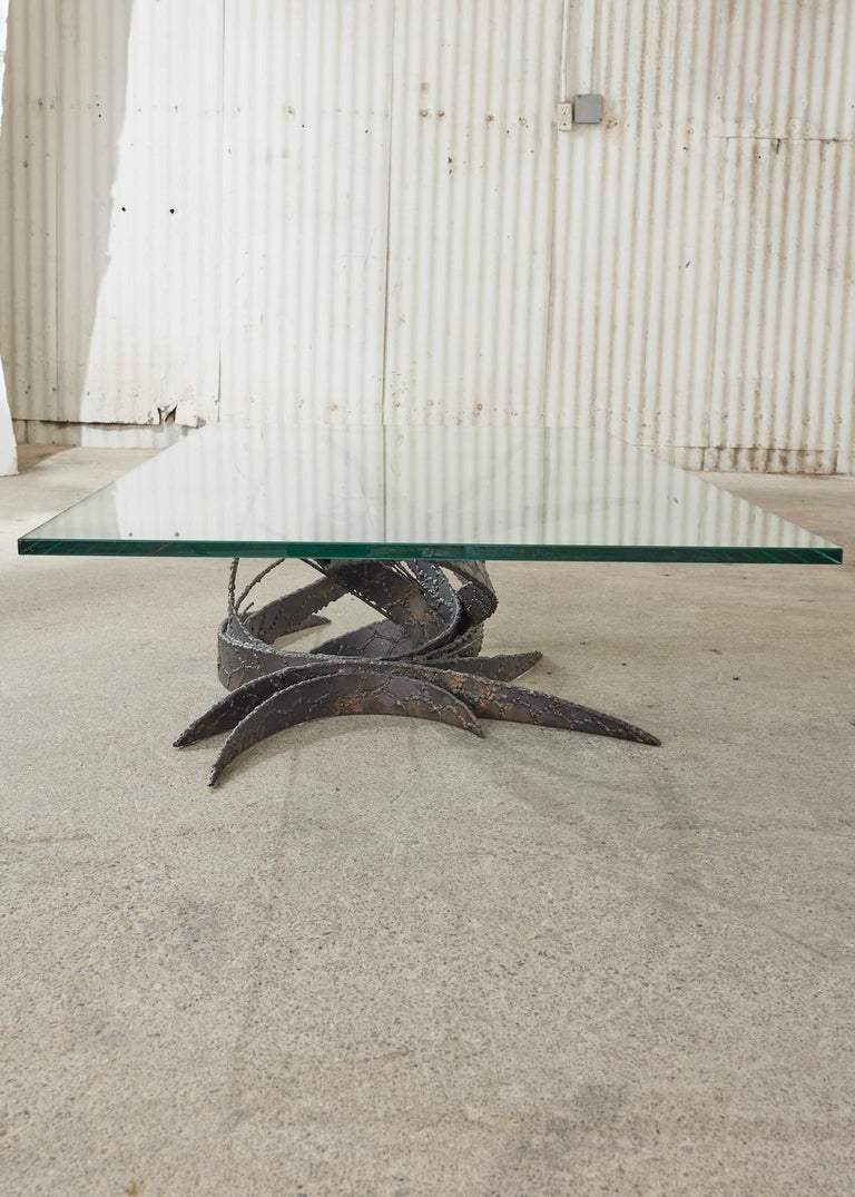 Midcentury Silas Seandel Brutalist Iron Torch Cut Cocktail Table In Good Condition For Sale In Rio Vista, CA
