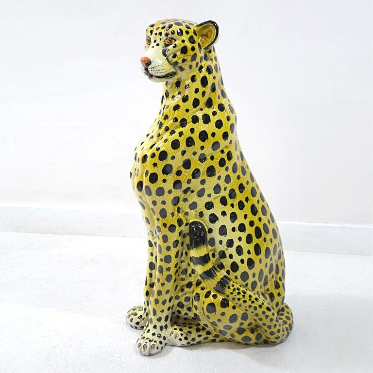 Midcentury Sitting Cheetah Made of Molded Ceramic, Marked X.MY In Good Condition For Sale In Doornspijk, NL