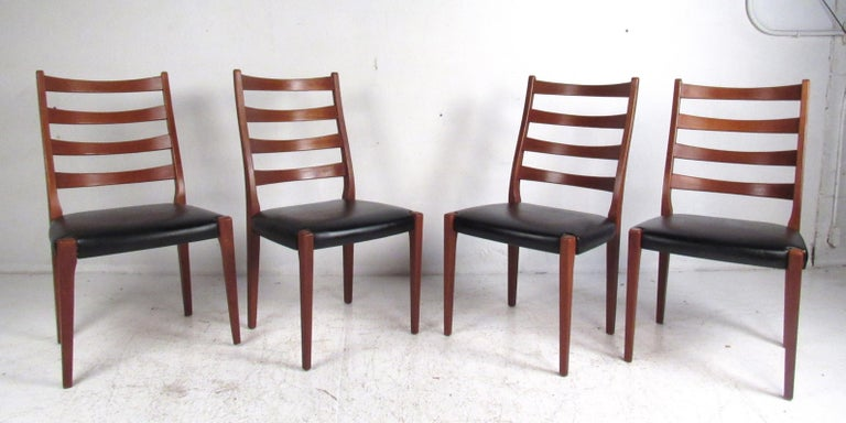Midcentury Skovby Mobelfabrik Dining Set In Good Condition For Sale In Brooklyn, NY