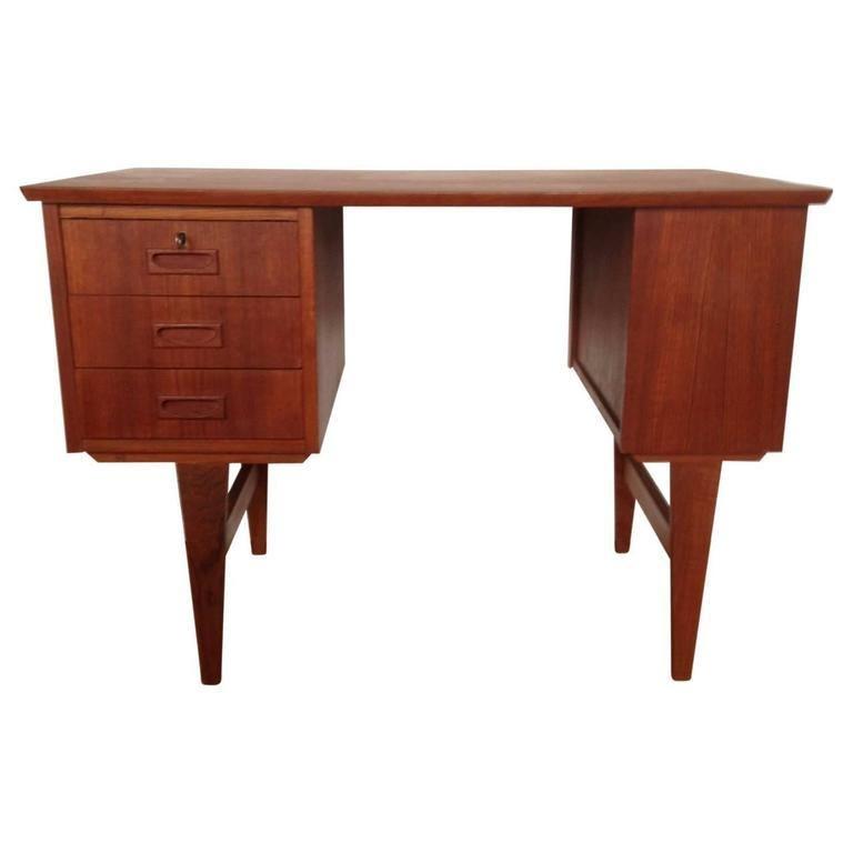 Midcentury Small Danish Teak Desk In Good Condition In Haddonfield, NJ