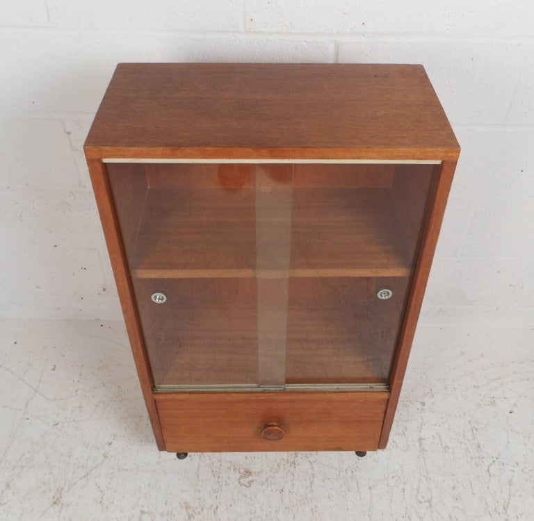 Mid-Century Modern Midcentury Small Walnut Bookshelf or Cabinet For Sale