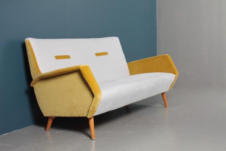 Midcentury Sofa in French Velvet by Gio Ponti, 1950s 1