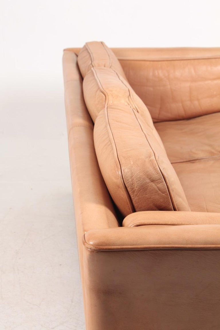 Midcentury Sofa in Patinated Leather by Mogens Hansen, Danish Design For Sale 3