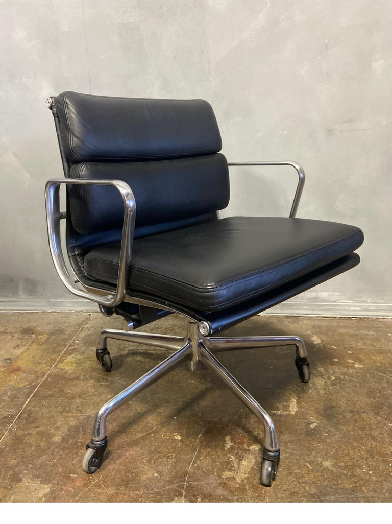 American Midcentury Soft Pad Chair by Eames for Herman Miller For Sale