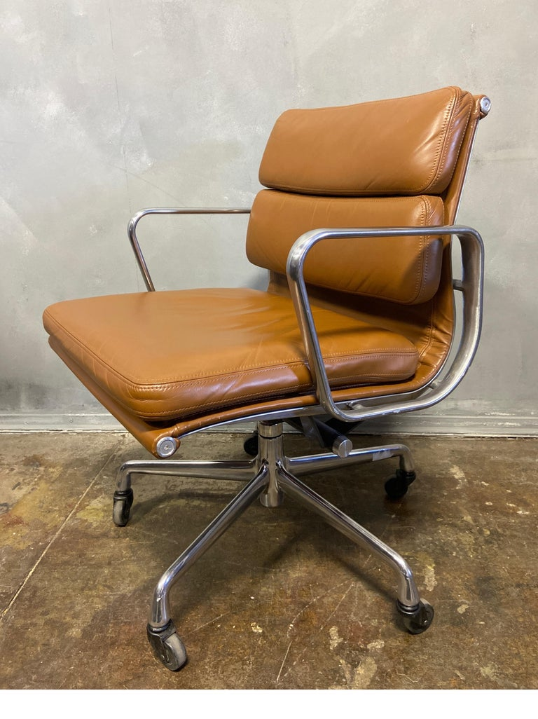 Midcentury Soft Pad Chairs by Eames for Herman Miller In Good Condition In BROOKLYN, NY