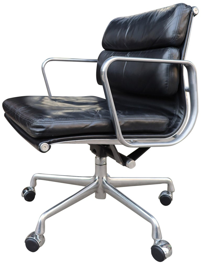 Aluminum Midcentury Soft Pad Chairs in Black Leather For Sale