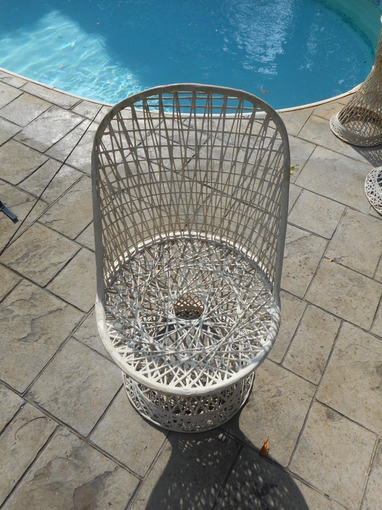 Midcentury Spun Fiberglass Patio Set by Russell Woodard In Good Condition For Sale In Brooklyn, NY
