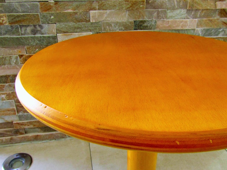 Sputnik sidetable, France, 1960s. Two-tone maple wood. Perfect vintage condition.