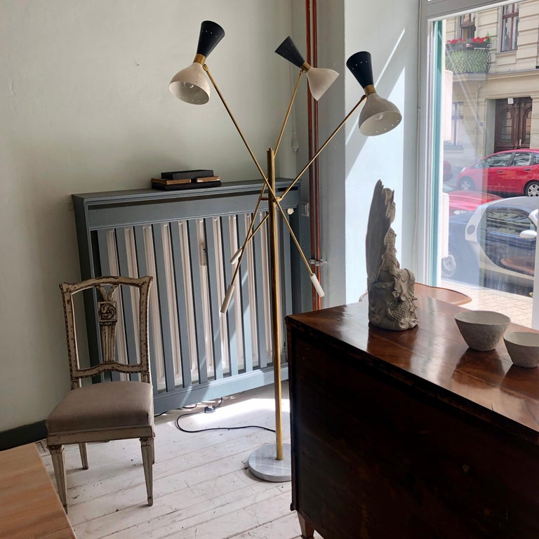 Midcentury Stilnovo Style Italian Floor Lamp Three-Arm Brass and Marble Black For Sale 5