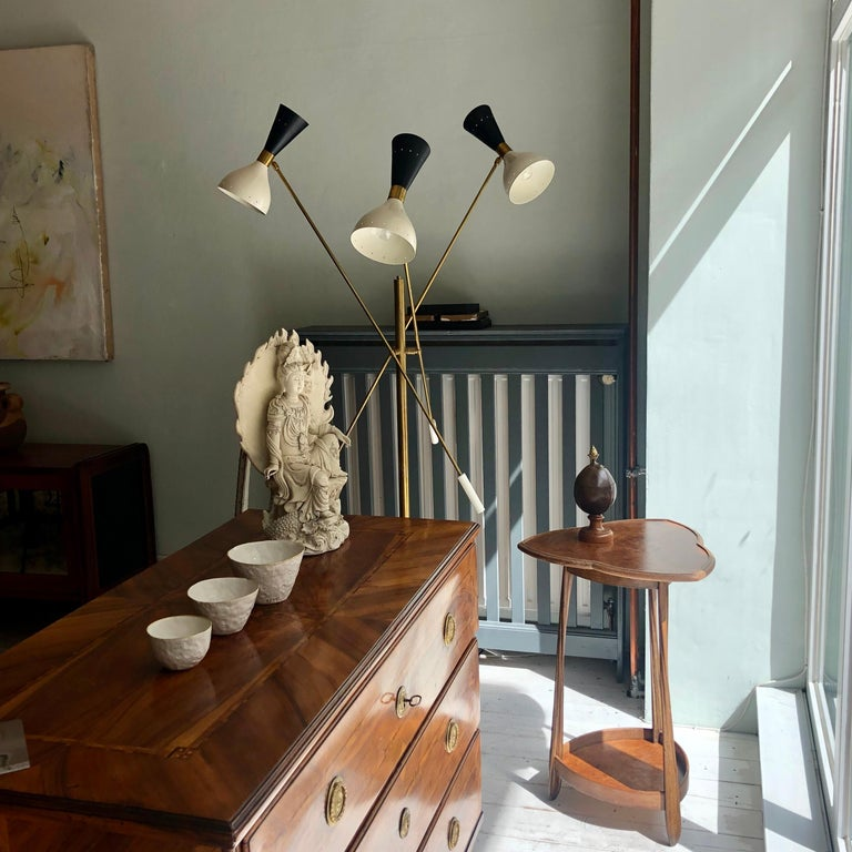 Midcentury Stilnovo Style Italian Floor Lamp Three-Arm Brass and Marble Black In Good Condition For Sale In Berlin, DE