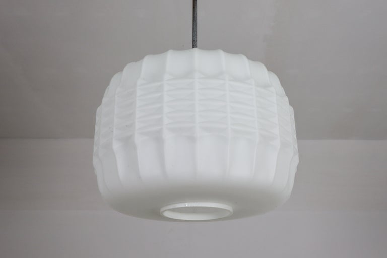 Midcentury Structured Opaline Glass Pendant, Europe 1960s In Good Condition For Sale In Almelo, NL