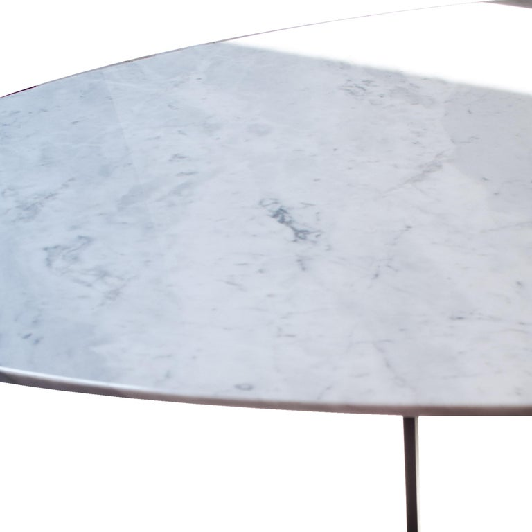 Italian Midcentury Style Carrara Marble Oval Dining Table, Italy, 1950 For Sale