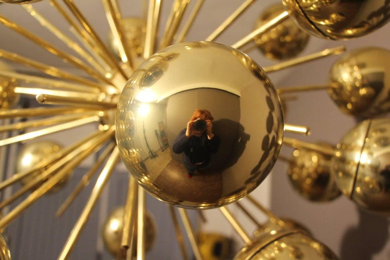 Midcentury Style Italian Sputnik Brass and Gold Murano Glass Chandelier For Sale 5