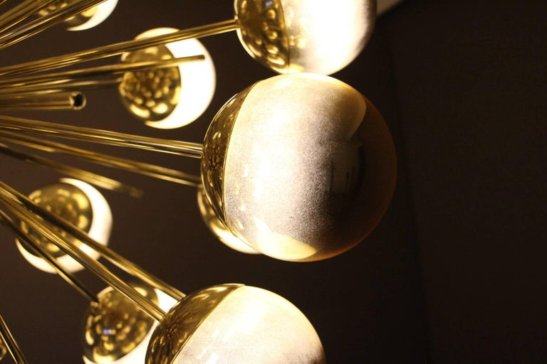 Mid-Century Modern Midcentury Style Italian Sputnik Brass and Gold Murano Glass Chandelier For Sale