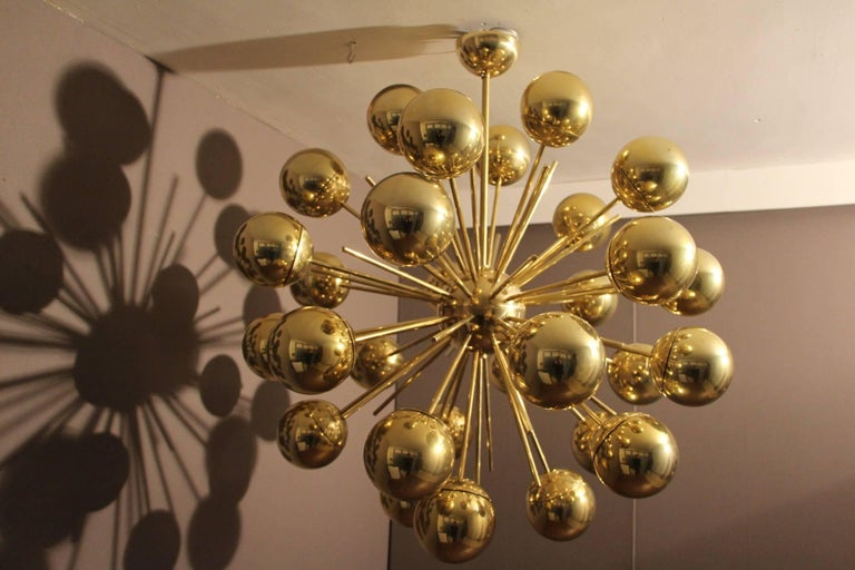 Midcentury Style Italian Sputnik Brass and Gold Murano Glass Chandelier For Sale 4