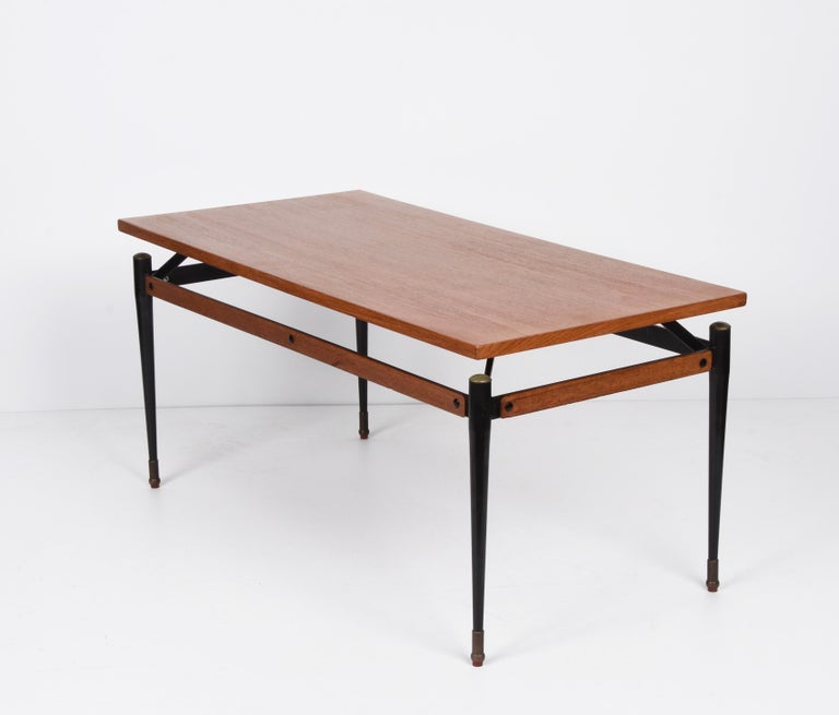 Midcentury Teak, Enamelled Iron and Brass Italian Coffee Table, Cavatorta 1960s For Sale 1