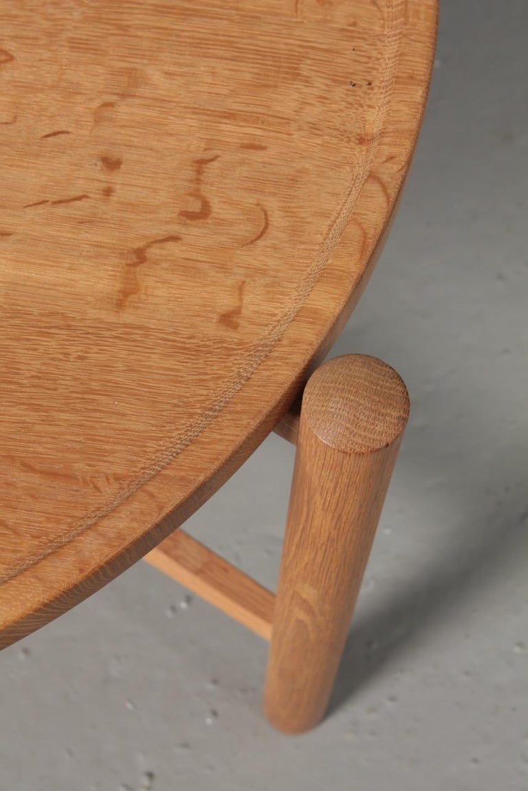 Tray table in patinated solid oak. Designed by Hans Wegner for PP furniture. Great original condition.