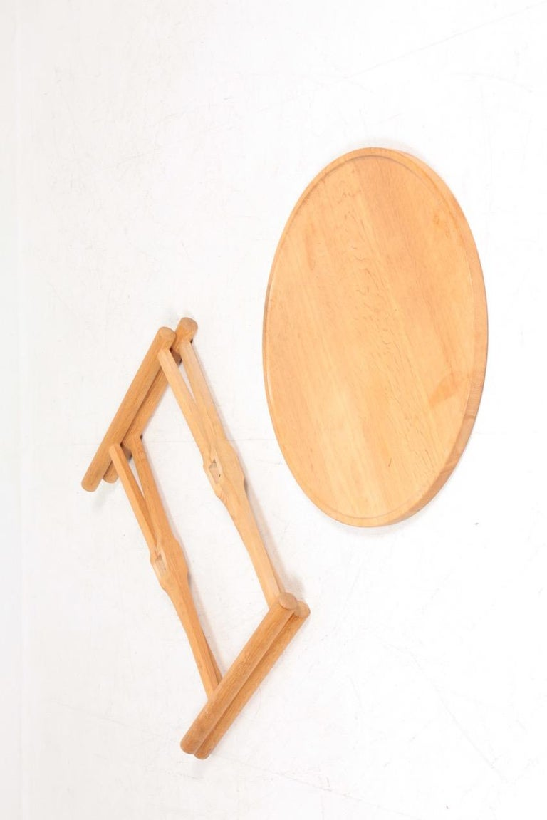 Midcentury Tray Table in Solid Oak by Hans J. Wegner, 1960s For Sale 2