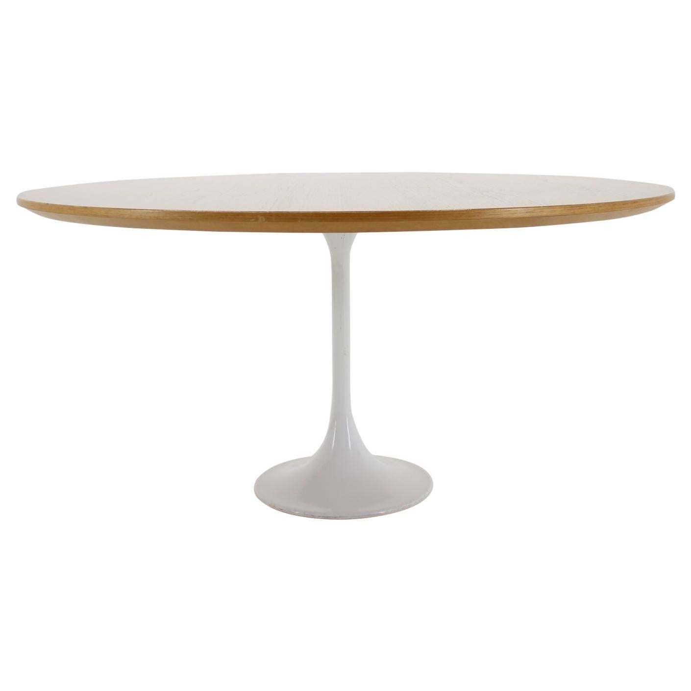 Midcentury Tulip Table in Style of Eero Saarinen
