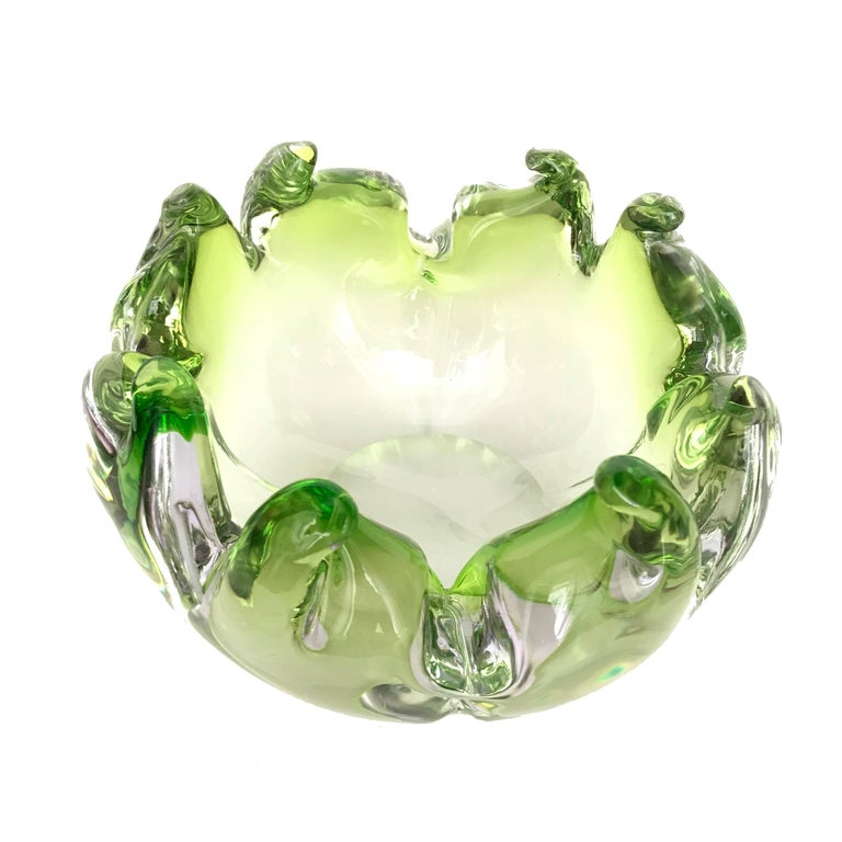 Midcentury Twisted Flame Blown Green Murano Art Glass Bowl, Italy, 1950s For Sale