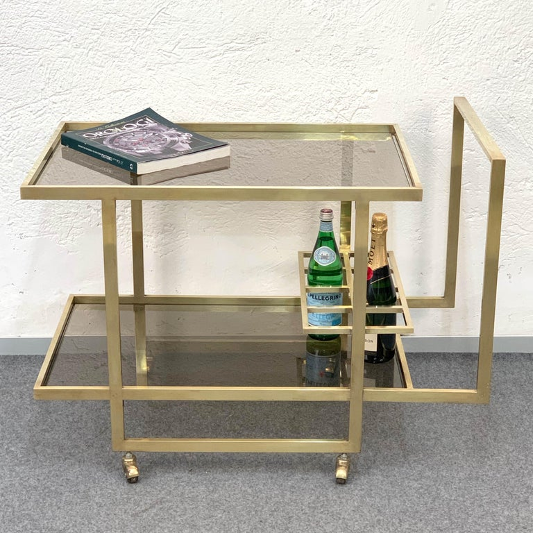 Midcentury Two Levels Smoked Glass and Brass Bar Cart with Bottle Holder, 1970s For Sale 2