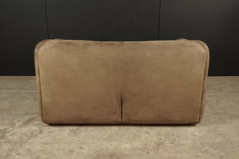 Midcentury Two-Seat Sofa Manufactured by De Sede, Switzerland For Sale 2