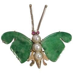 "Midcentury Vintage ""Butterfly"" Brooch Carved Jade and 3 Cultured Pearls 14 Karat"