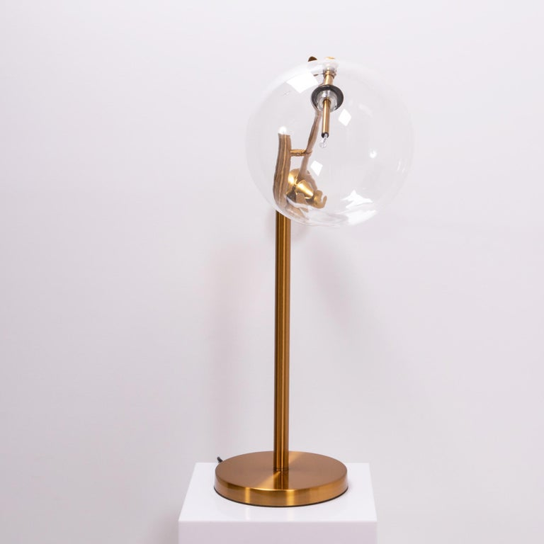 Midcentury Italian Style Brass Globe Table Lamp In Good Condition For Sale In London, GB